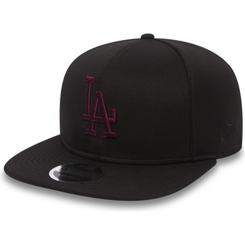 New Era Boné plano preto snapback com logo vermelho 9FIFTY Jersey Tech da  Los Angeles Dodgers MLB da New Era 414d0e90072