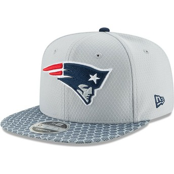 Boné plano cinza snapback 9FIFTY Sideline da New England Patriots NFL da New  Era fbd24c0379e