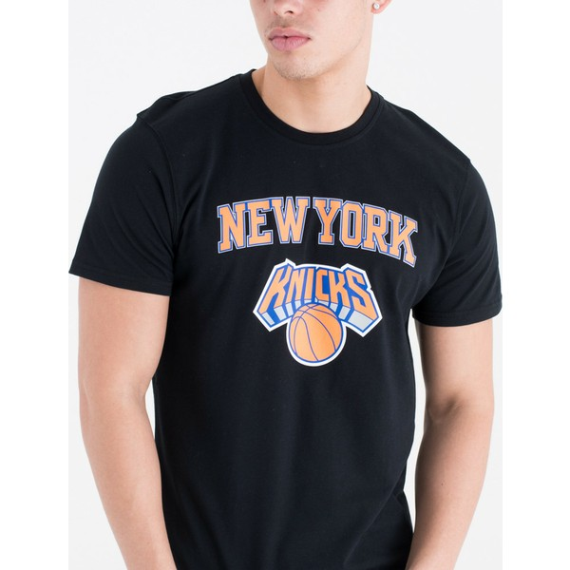 Camiseta de manga curta preto da New York Knicks NBA da New Era ... a0b31760413
