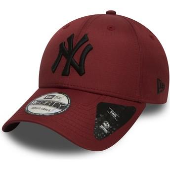 Boné curvo grená ajustável com logo preto 9FORTY Ripstop da New York Yankees MLB da New Era