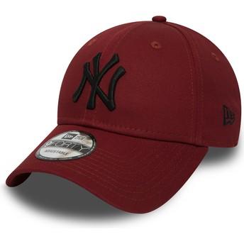 Boné curvo vermelho ajustável com logo preto 9FORTY Essential da New York Yankees MLB da New Era