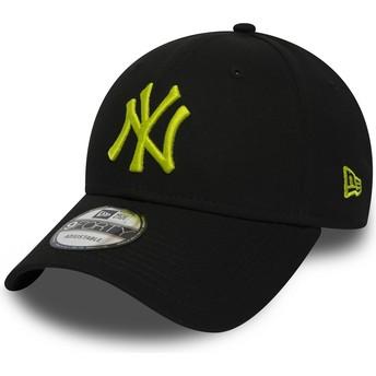 Boné curvo preto ajustável com logo verde 9FORTY Essential da New York Yankees MLB da New Era