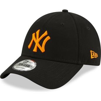 Boné curvo preto ajustável com logo laranja 9FORTY League Essential Neon da New York Yankees MLB da New Era