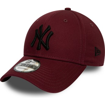 Boné curvo grená ajustável com logo preto 9FORTY League Essential da New York Yankees MLB da New Era