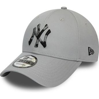Boné curvo cinza ajustável com logo camuflagem 9FORTY Camo Infill da New York Yankees MLB da New Era