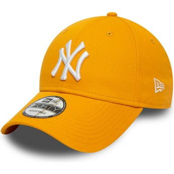 Boné curvo amarelo ajustável 9FORTY League Essential da New York Yankees MLB da New Era