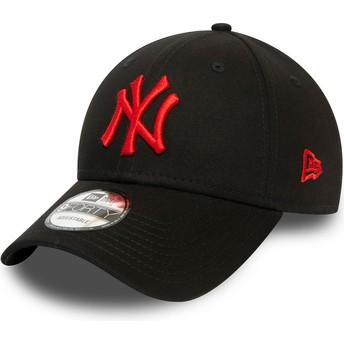 Boné curvo preto ajustável com logo vermelho 9FORTY League Essential da New York Yankees MLB da New Era
