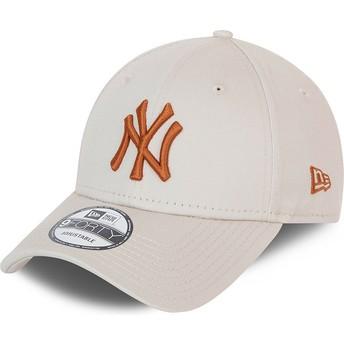 Boné curvo bege ajustável com logo castanho 9FORTY League Essential da New York Yankees MLB da New Era