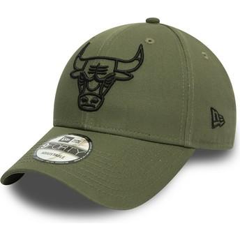 Boné curvo verde ajustável com logo preto 9FORTY League Essential da Chicago Bulls NBA da New Era
