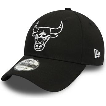 Boné curvo preto ajustável com logo branco 9FORTY League Essential da Chicago Bulls NBA da New Era