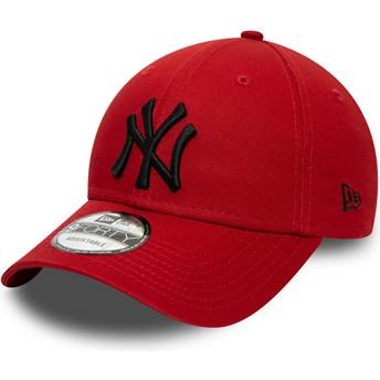 Boné curvo vermelho ajustável com logo preto 9FORTY League Essential da New York Yankees MLB da New Era