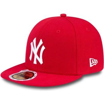Boné plano vermelho justo para criança 59FIFTY Essential dos New York Yankees MLB da New Era