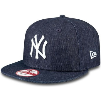 Boné plano azul marinho snapback 9FIFTY Essential Denim dos New York Yankees MLB da New Era